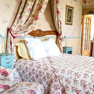 Renaissance Suite Bed